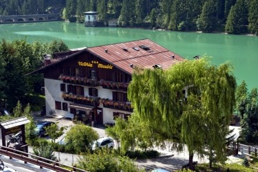 Hotels a cortina d 39 ampezzo dolomiti for Meuble barancio